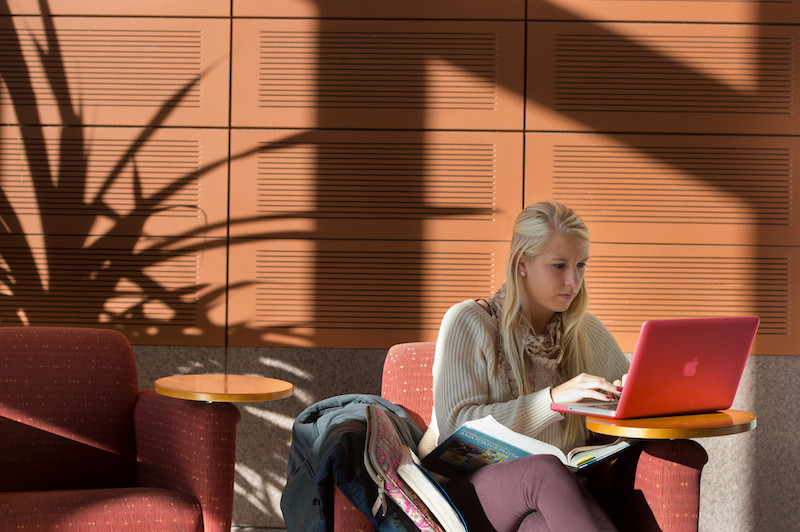 Student_Studying_on_Computer